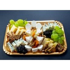Platou de brânzeturi cu fructe